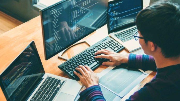 Veracode, PHP, JavaScript, GitHub, Microsoft, Swift, .NET, CEO, CTO, CISO, IT, Veracode, PHP, JavaScript, GitHub, Microsoft, Swift, .NET,